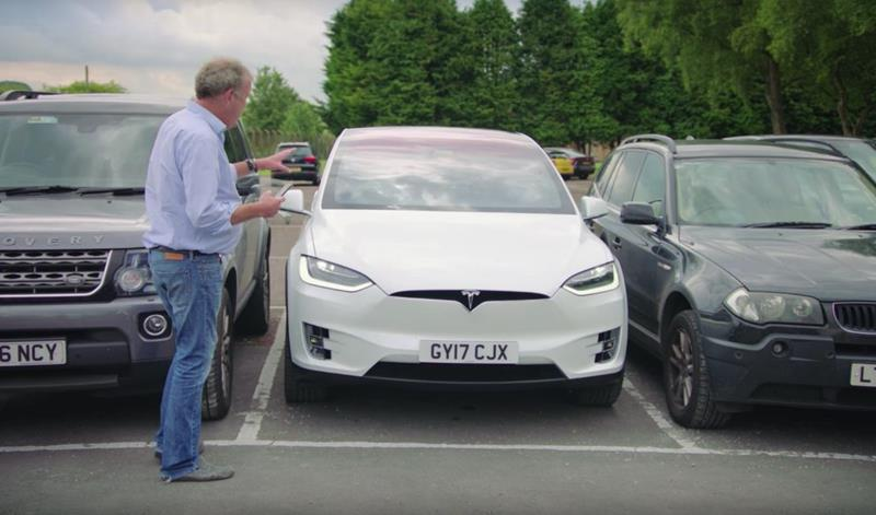 jeremy-clarkson-grand-tour-tesla-model-recenzja -x-